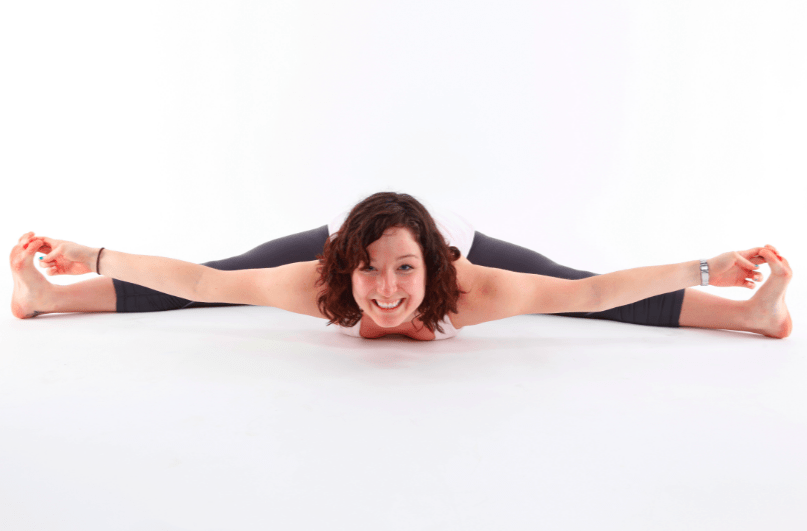 woman-doing-splits