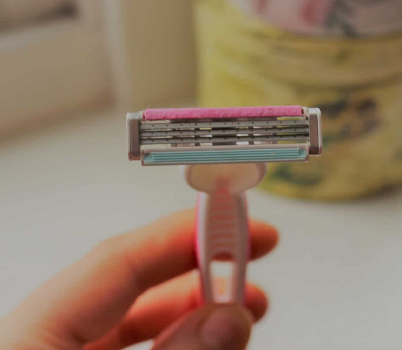 female shaving blade